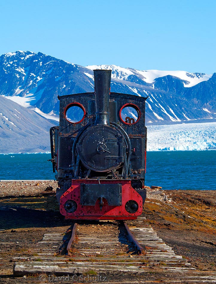 Old coal train on Ny-Alesund Svalbard - Image #170-005